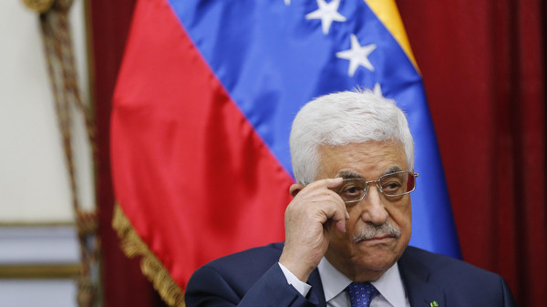 Palestinian President Mahmoud Abbas attends a meeting with Venezuela's President Nicolas Maduro at Miraflores Palace in Caracas May 16, 2014. Abbas is on an official visit to Venezuela. REUTERS/Jorge Silva (VENEZUELA  - Tags: POLITICS) - RTR3PJFX