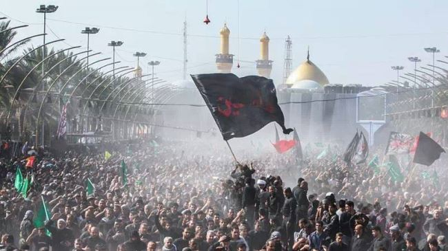 Millions of Shia Muslims from across the globe walk toward Karbala in Iraq to commemorate Arbaeen. (File photo)