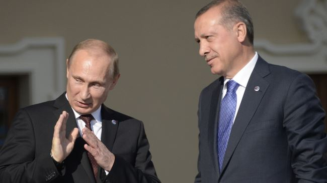 Russian President Vladimir Putin (L) and his Turkish opposite number Recep Tayyip Erdogan (File photo)