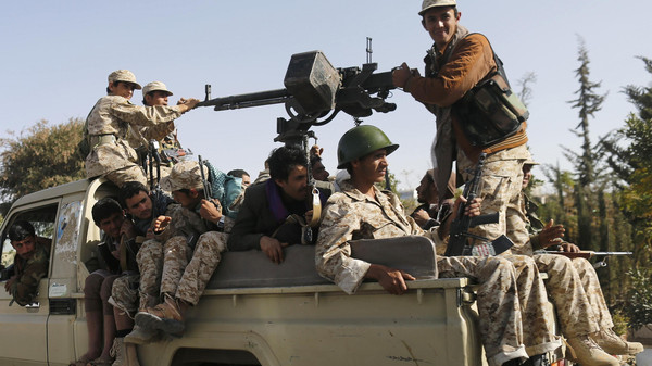 Houthi fighters ride a truck while patrolling a street in Sanaa January 21, 2015. (Reuters)