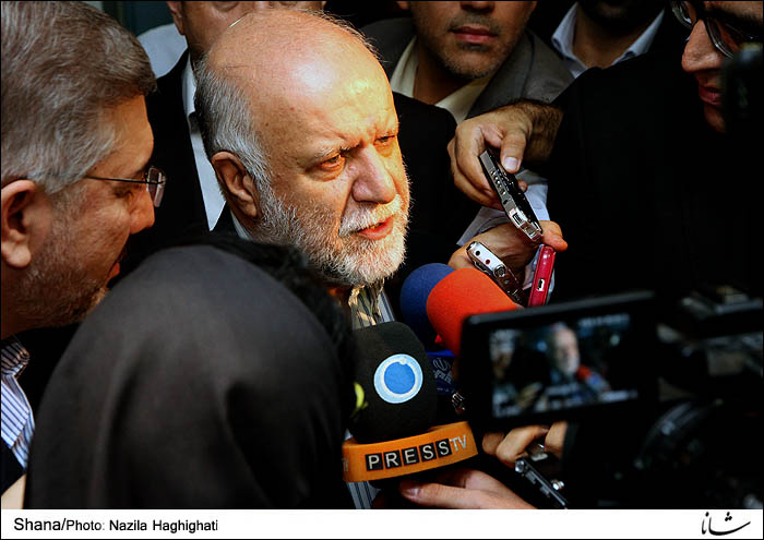 Iran's Minister of Petroleum Bijan Namdar Zanganeh (file photo)