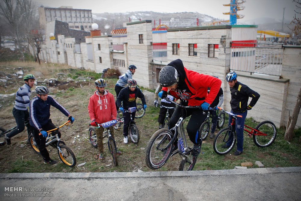Photos: Cycling competition in Hamedan