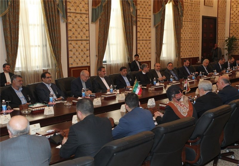 Iran's First VP Es'haq Jahangiri along with  high-ranking political and economic delegation attend a session of Iran-Iraq High Joint Commission in Baghdad on February 16, 2015.
