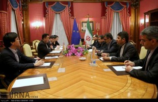 Deputy foreign ministers of Iran and China held talks about Tehran's nuclear program in the Swiss city of Lausanne on Mar. 27, 2015.