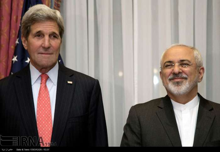 Iranian Foreign Minister Mohammad Javad Zarif meets US Secretary of State John Kerry in Lausanne on March 16, 2015.