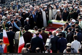 Photos 104 Mina victims' bodies arrives in Tehran (25)