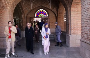 Foreign tourists visiting Kabood Mosque, Azarbaijan Museum in Tabriz (9)