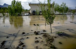 Heavy rain and flash floods in Iran's western cities