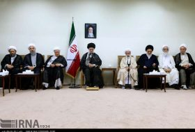 Leader meets members of Assembly of Experts