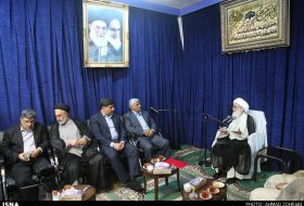 Minister of Science meets senior clerics in Qom
