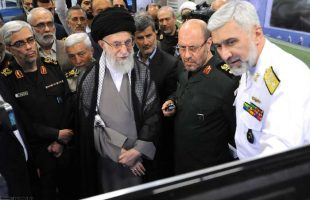Supreme Leader visits Defense Ministry Achievements Expo