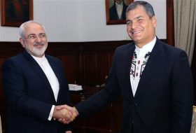 Iran's Javad Zarif has visited on Wednesday Ecuadorian President Rafael Vicente Correa Delgado during his tour of Latin America.