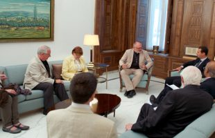 Assad meets British delegation