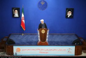 rouhani-meets-with-staff-of-national-census
