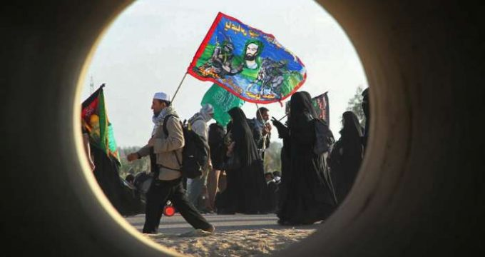 arbaeen-pilgrims-walking-from-najaf-to-karbala