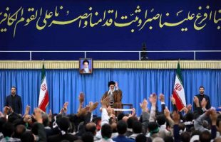 leader-receives-isfahani-people