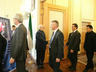 Diplomats offer condolences to Zarif on Ayat. demise