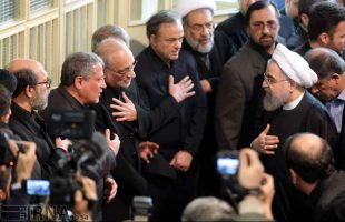 Officials, people say farewell to Ayat. Rafsanjani