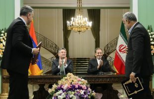 Iran, Armenia ink 3 MoUs